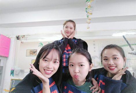 广艺美术教育学院15级实习团队赴南丹县里湖中心小学第二周实习汇报